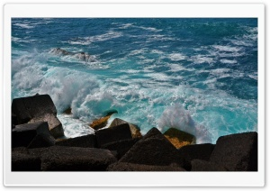 Wave Breaker HD Wide Wallpaper for Widescreen