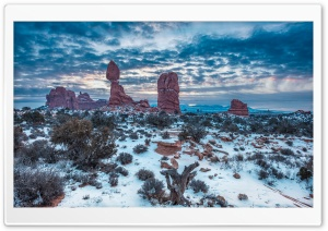 Winter, Balanced Rock, Arches National Park, Moab, Utah HD Wide Wallpaper for 4K UHD Widescreen desktop & smartphone